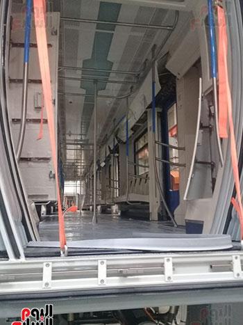 صور اليوم السابع فى جولة داخل مصنع عربات المترو الروسى (7)
