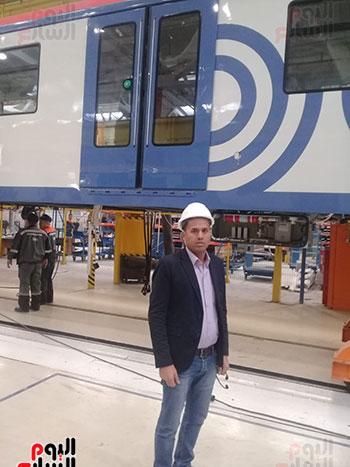 صور اليوم السابع فى جولة داخل مصنع عربات المترو الروسى (22)