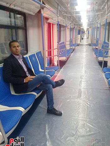صور اليوم السابع فى جولة داخل مصنع عربات المترو الروسى (2)