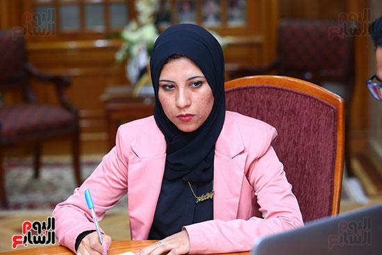 صور الوزيره تنصب فتاه وزيره للتضامن (11)
