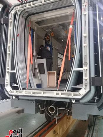 صور اليوم السابع فى جولة داخل مصنع عربات المترو الروسى (5)