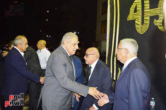 صور عزاء رجل الأعمال عمرو علوبة (1)
