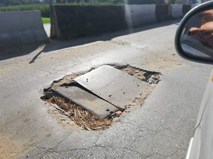 طريق الباجور سنتريس مقبرة للسيارات والسائقين (1)
