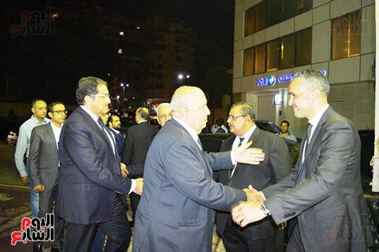 صور عزاء رجل الأعمال عمرو علوبة (17)