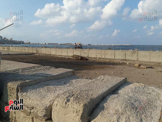 هدم-جزء-من-سور-كورنيش-الإسكندرية-التراثى-(7)