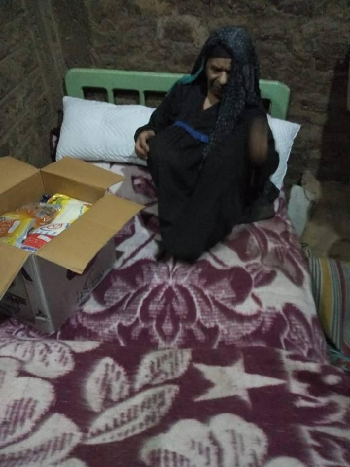توفير أثاث للعجوز فى مسكنها (1)