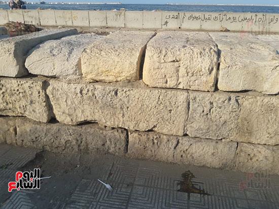 هدم-جزء-من-سور-كورنيش-الإسكندرية-التراثى-(9)