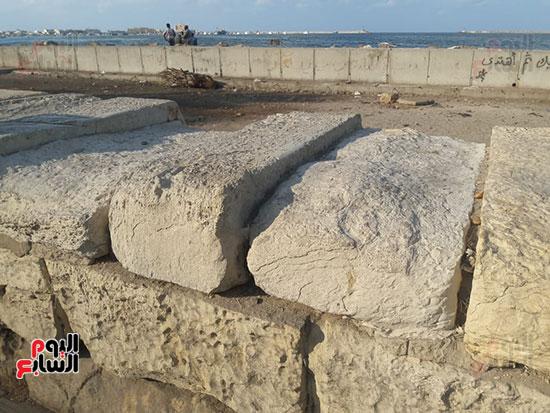 هدم-جزء-من-سور-كورنيش-الإسكندرية-التراثى-(6)
