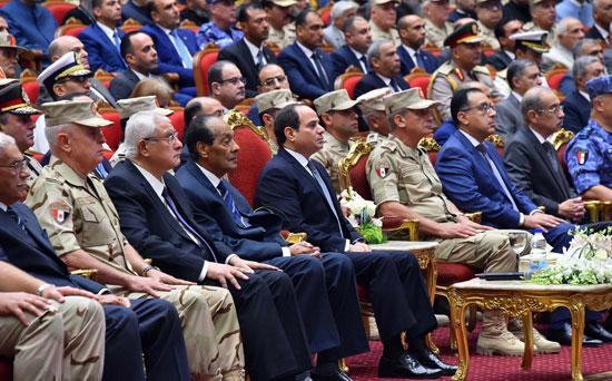 ندوة تثقيفية بحضور الرئيس السيسى (4)