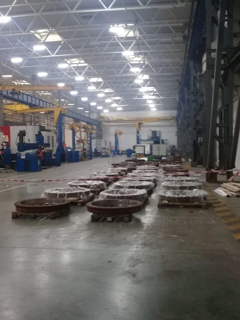 جولة لليوم السابع بمصنع جرارات السكة الحديد الروسى (12)