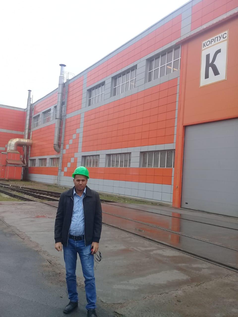 جولة لليوم السابع بمصنع جرارات السكة الحديد الروسى (41)