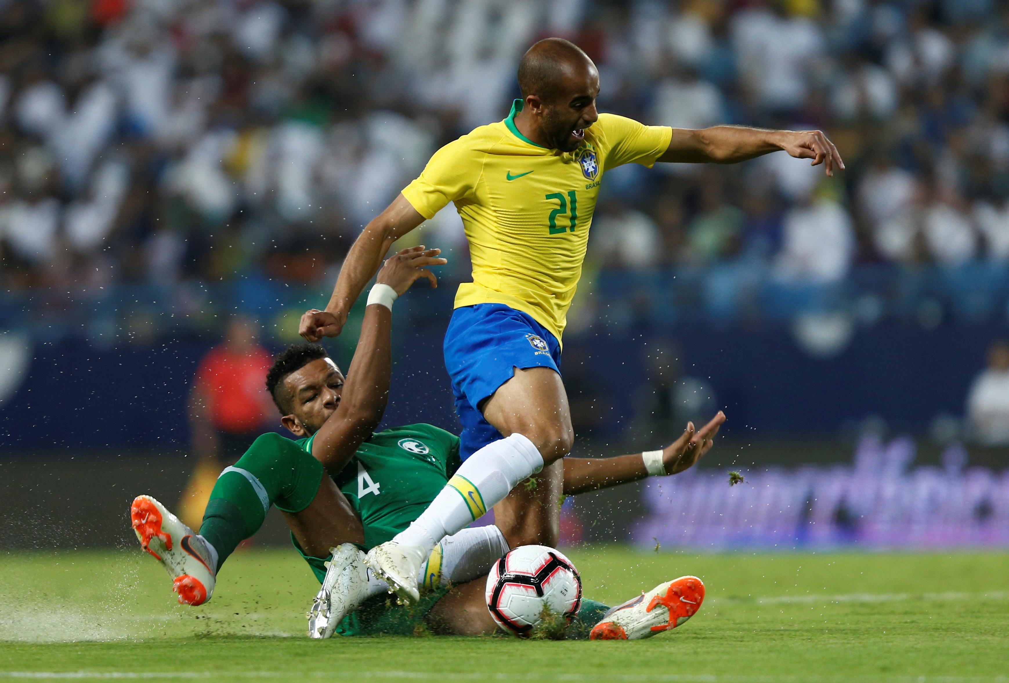 مباراة السعودية ضد البرازيل  (12)