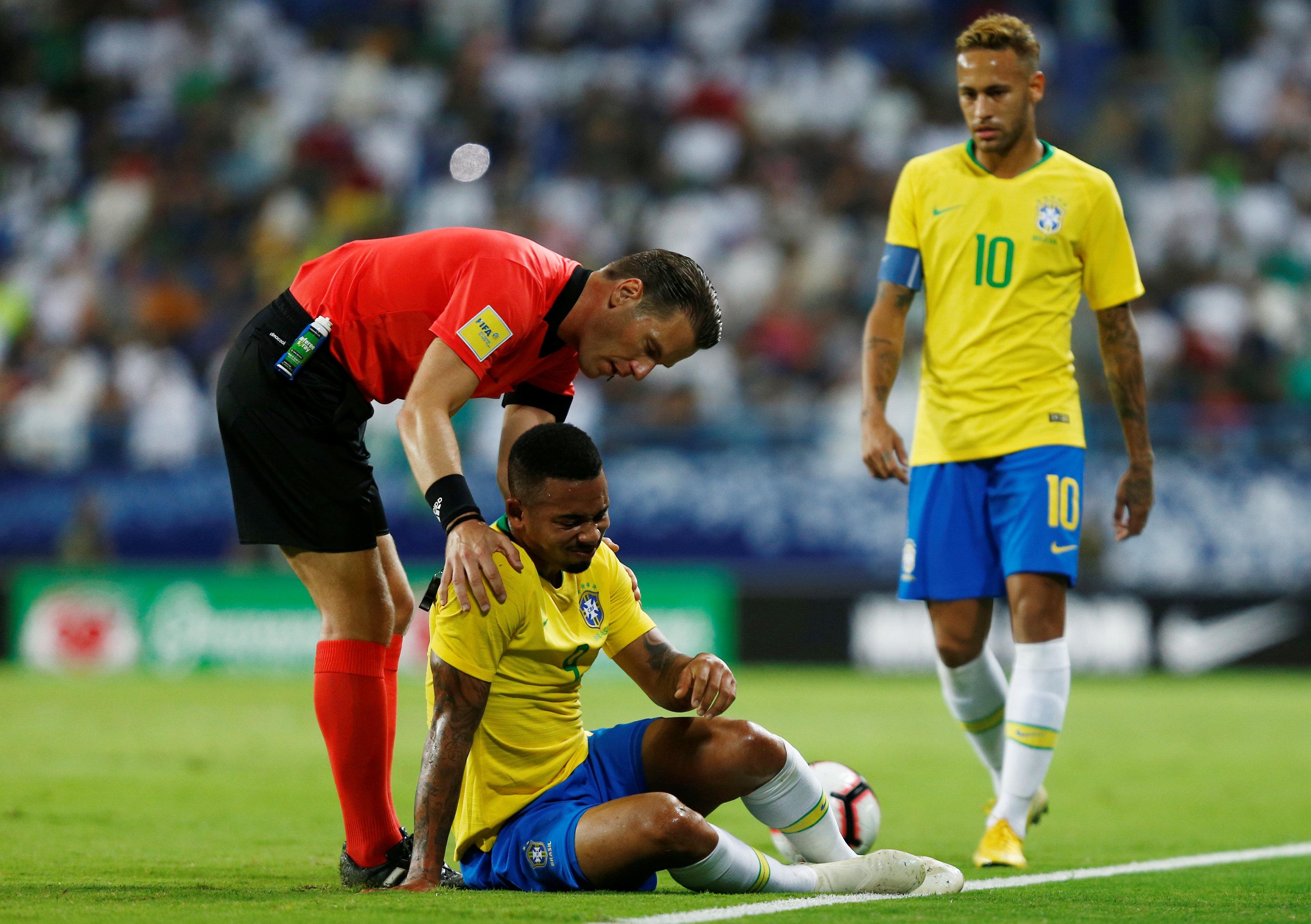 مباراة السعودية ضد البرازيل  25)