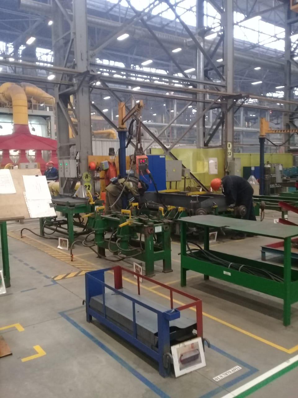 جولة لليوم السابع بمصنع جرارات السكة الحديد الروسى (34)