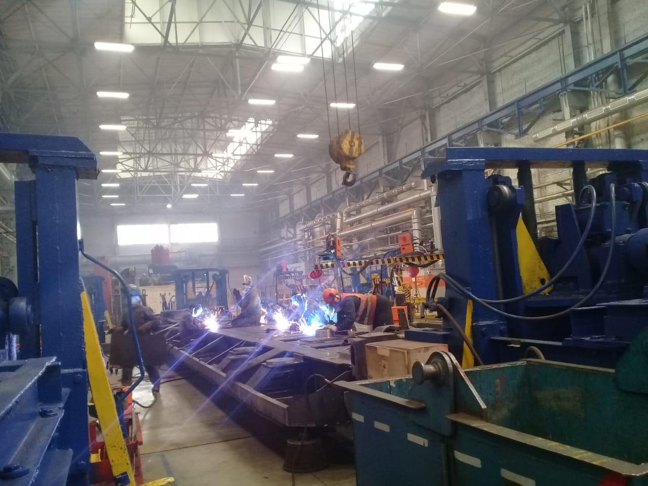 جولة لليوم السابع بمصنع جرارات السكة الحديد الروسى (31)
