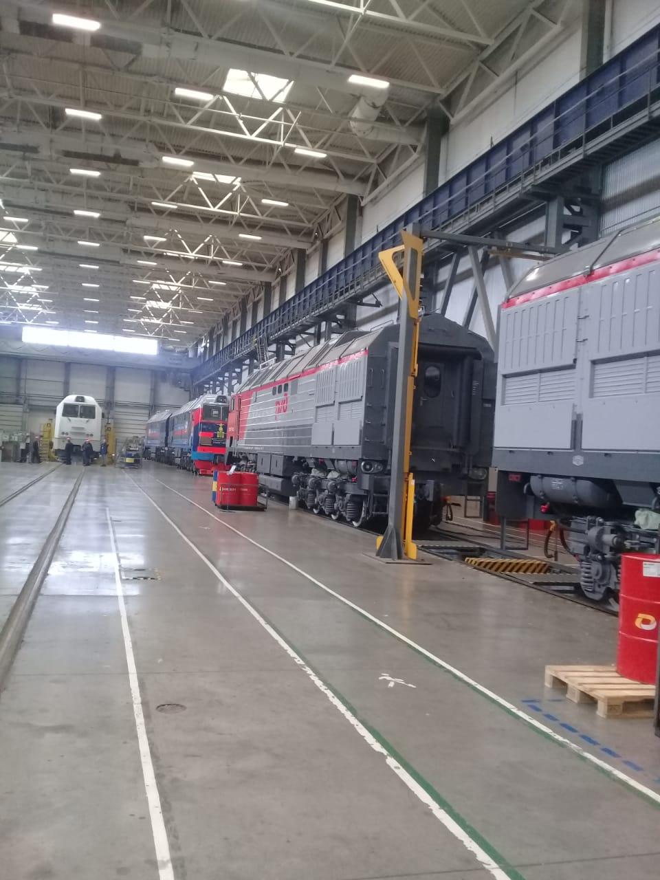 جولة لليوم السابع بمصنع جرارات السكة الحديد الروسى (5)