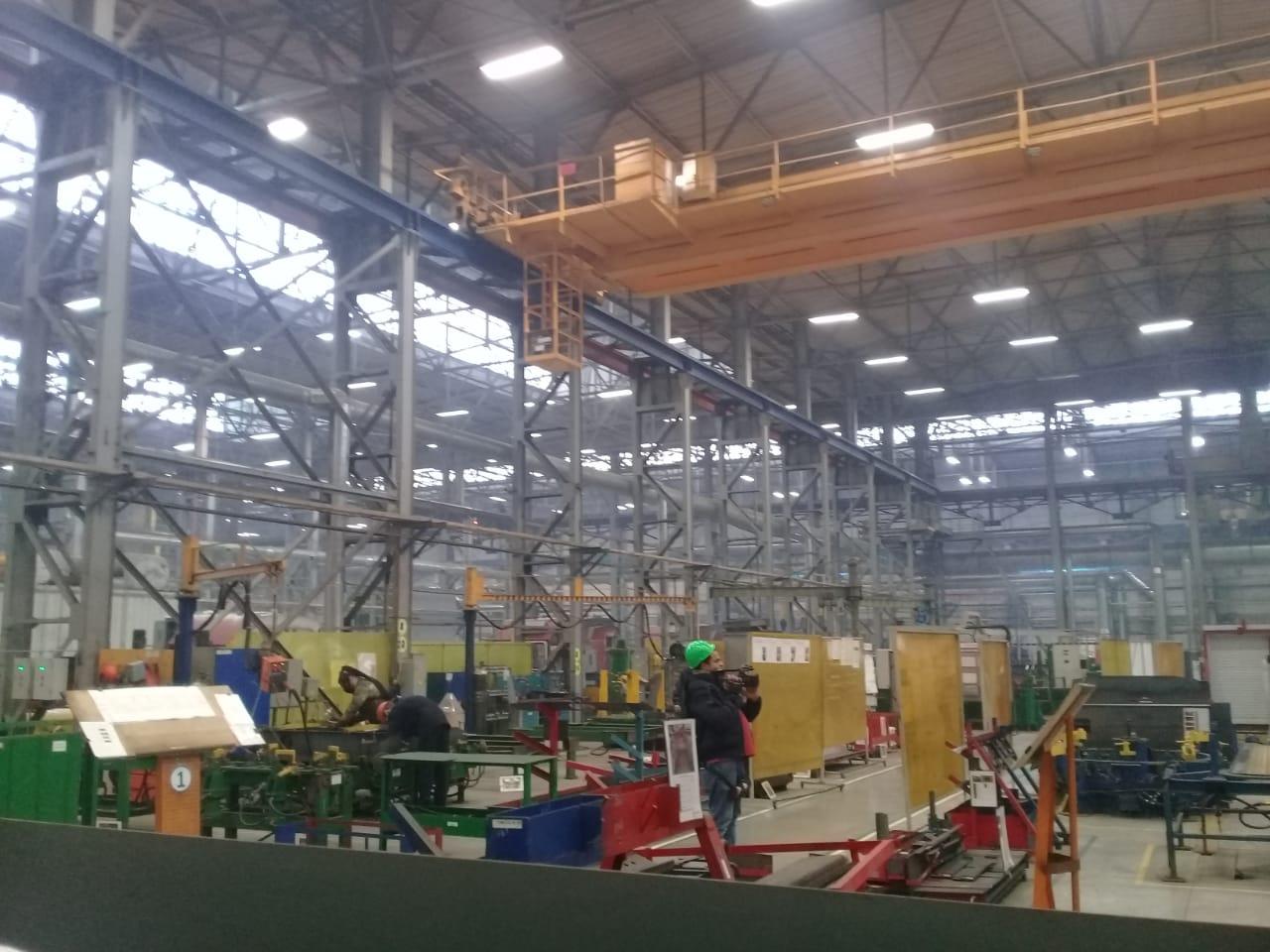 جولة لليوم السابع بمصنع جرارات السكة الحديد الروسى (37)