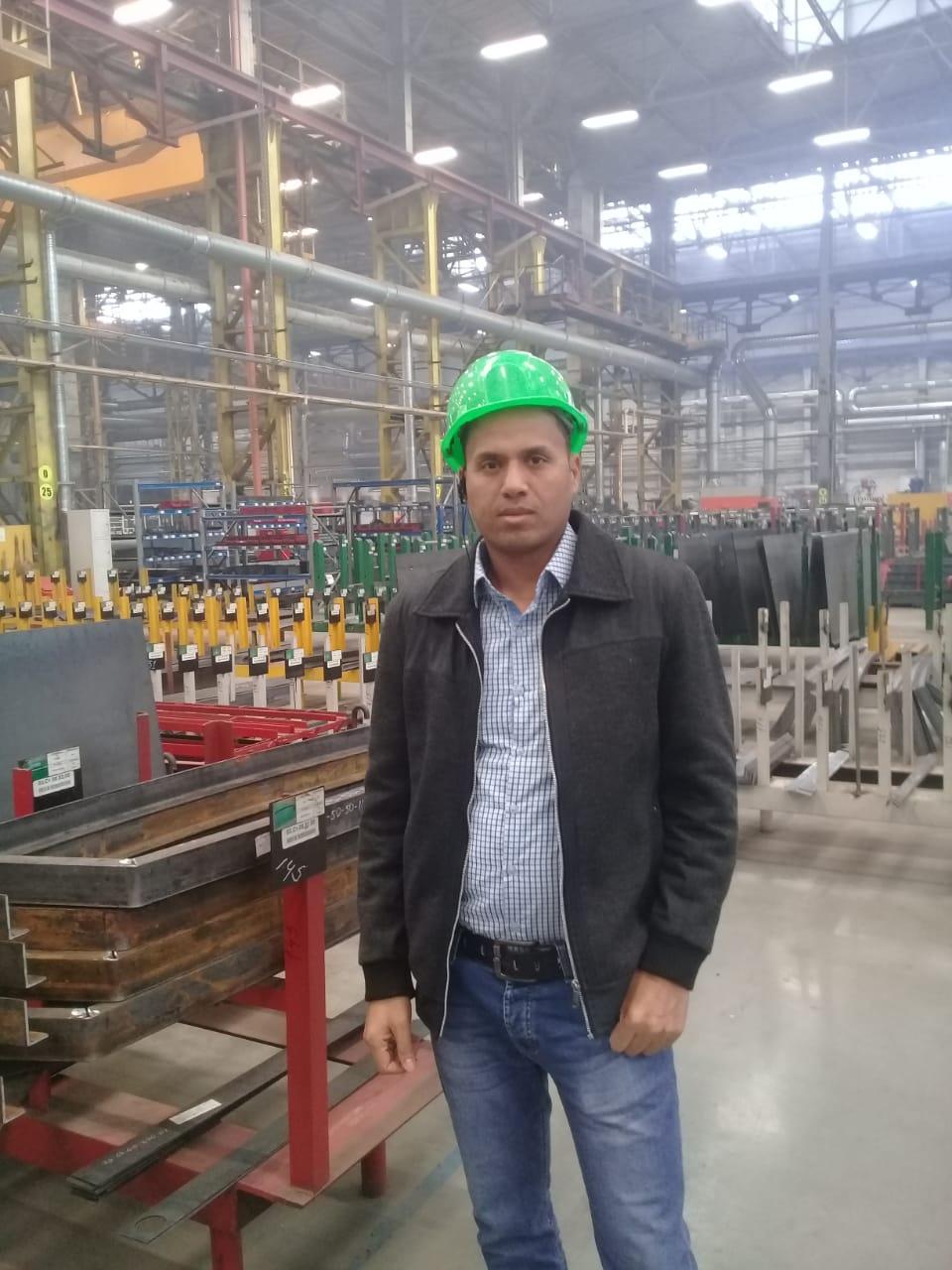 جولة لليوم السابع بمصنع جرارات السكة الحديد الروسى (32)