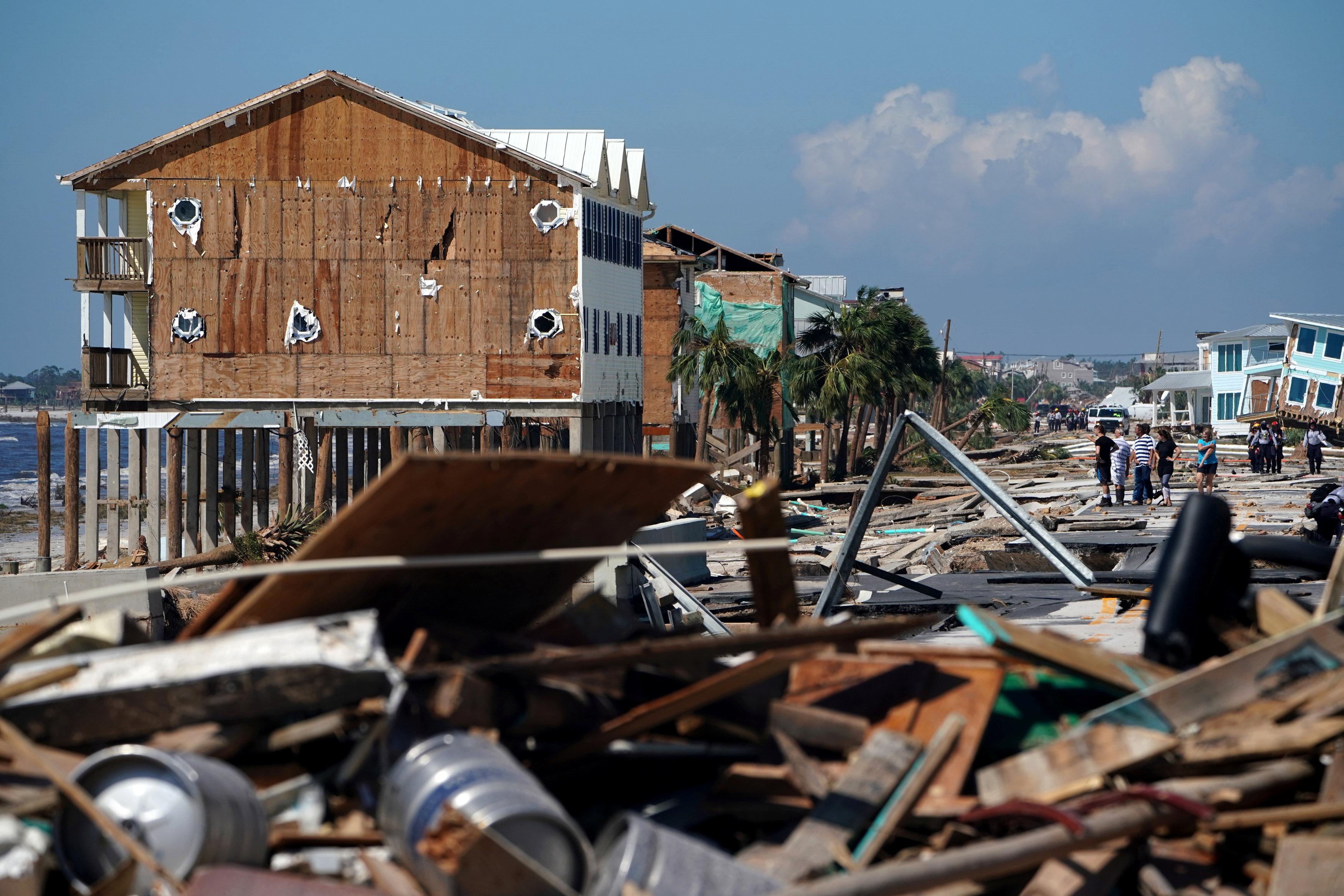 تضرر المنازل فى ولاية فلوريدا الأمريكية