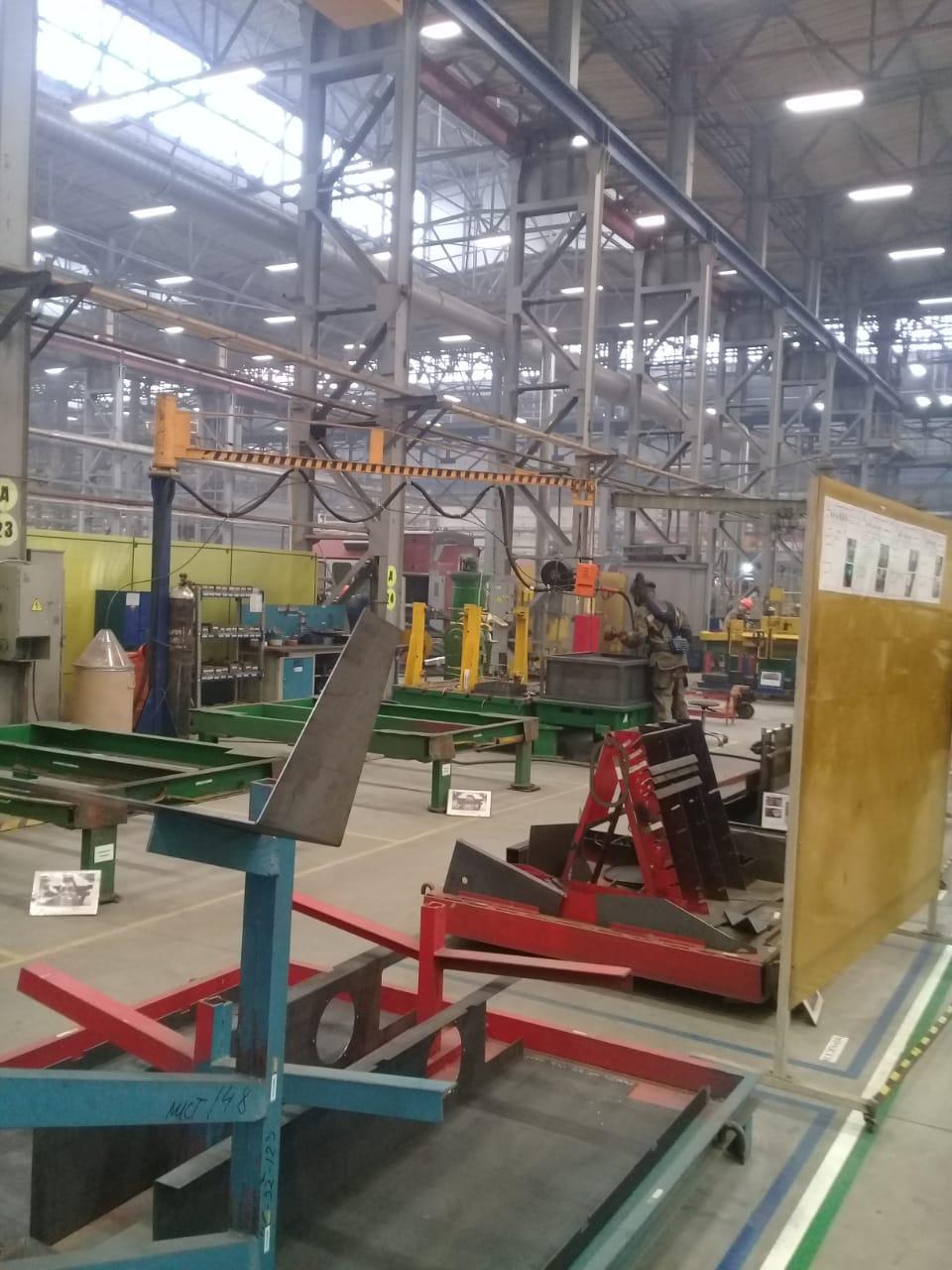 جولة لليوم السابع بمصنع جرارات السكة الحديد الروسى (35)