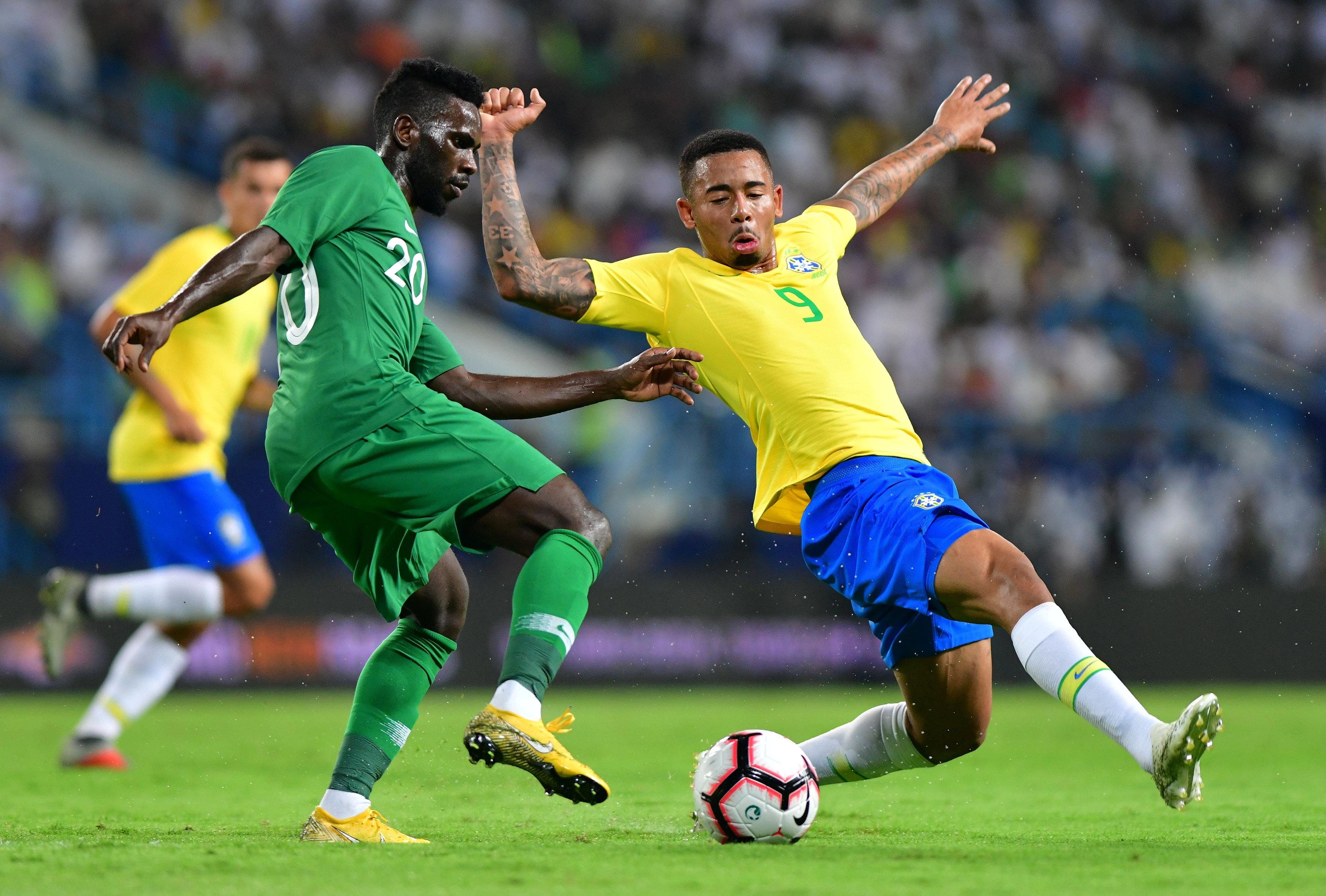 مباراة السعودية ضد البرازيل  (1)