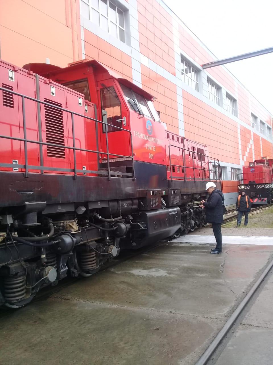 جولة لليوم السابع بمصنع جرارات السكة الحديد الروسى (24)