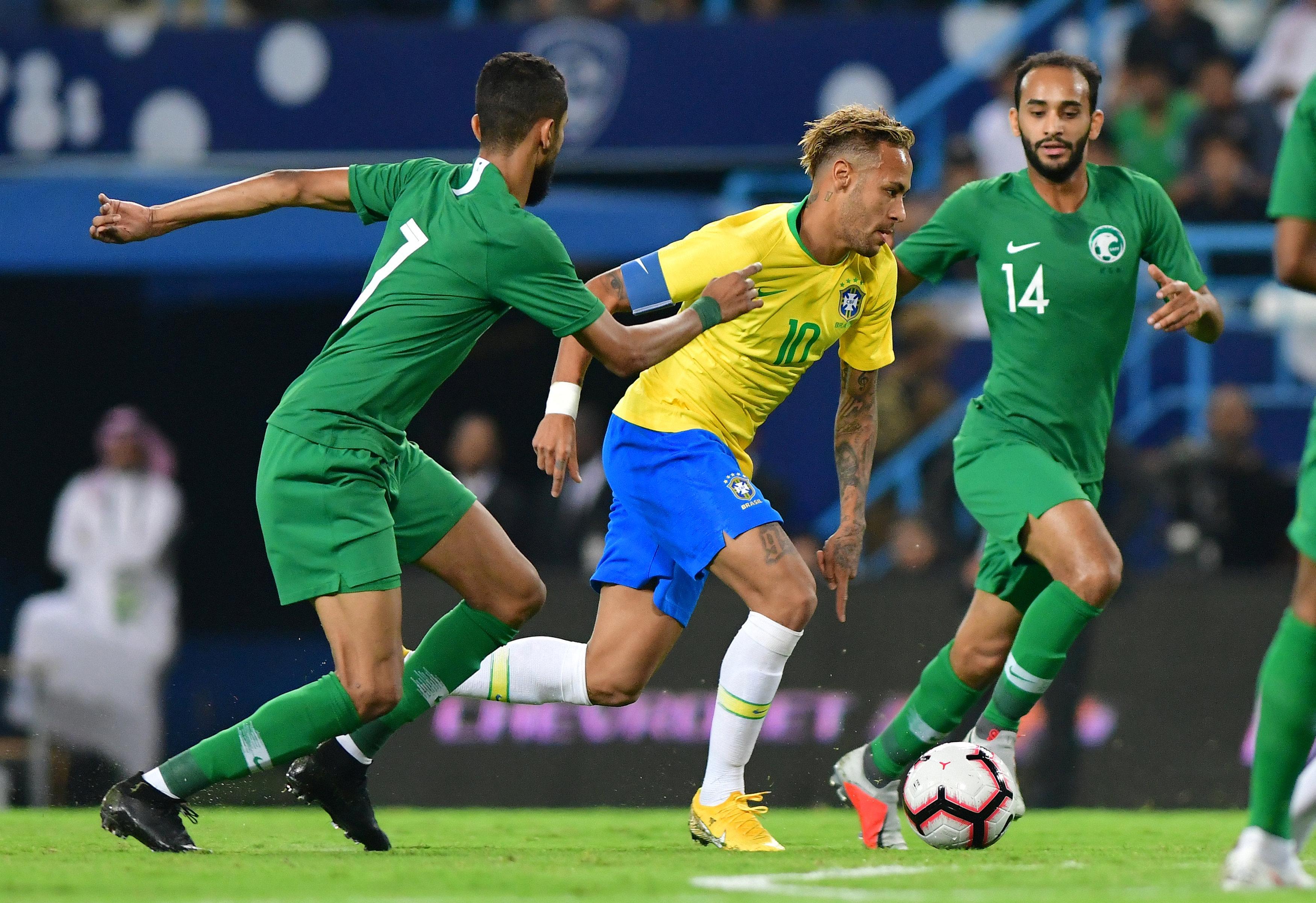 مباراة السعودية ضد البرازيل  (21)