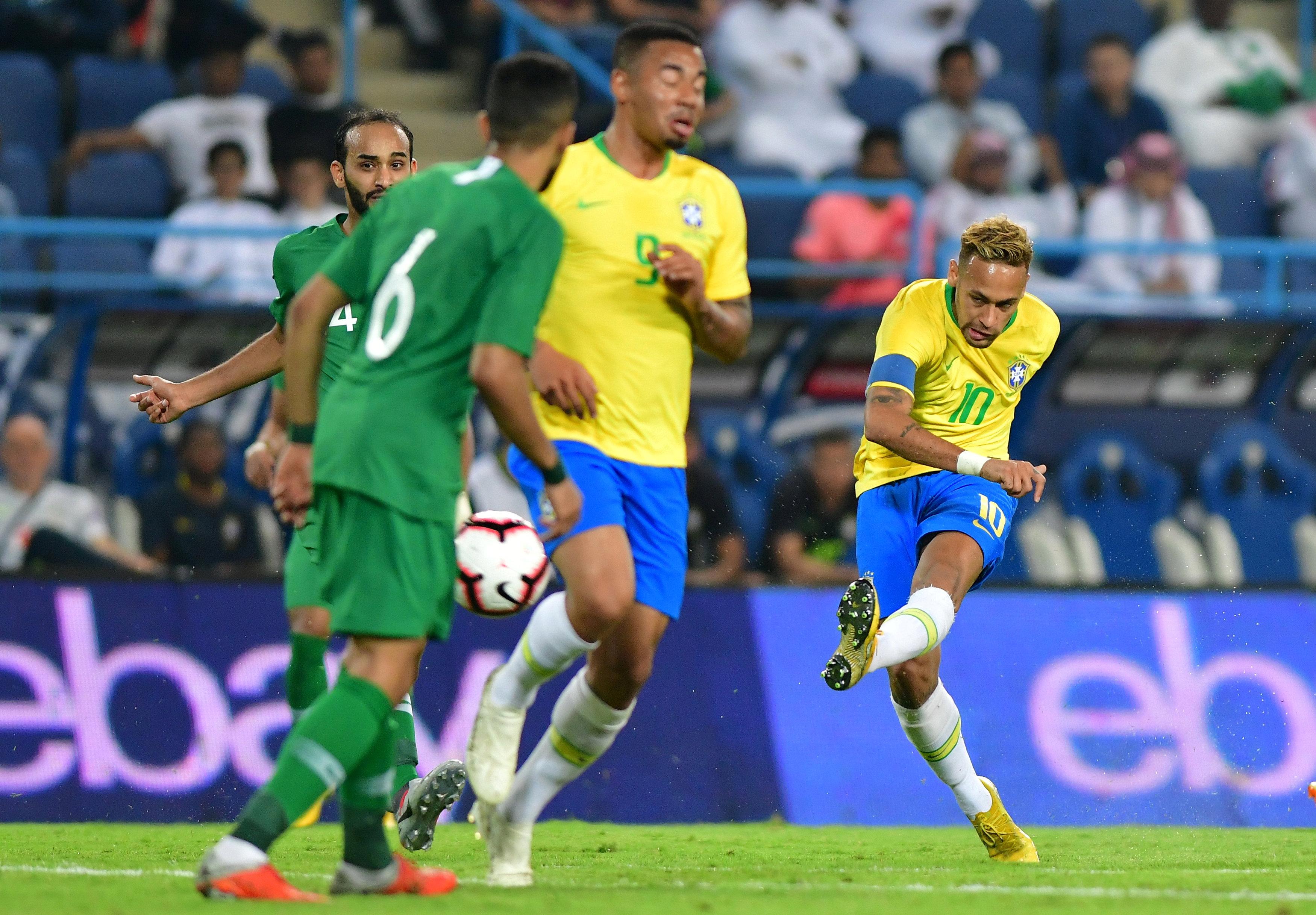 مباراة السعودية ضد البرازيل  (15)