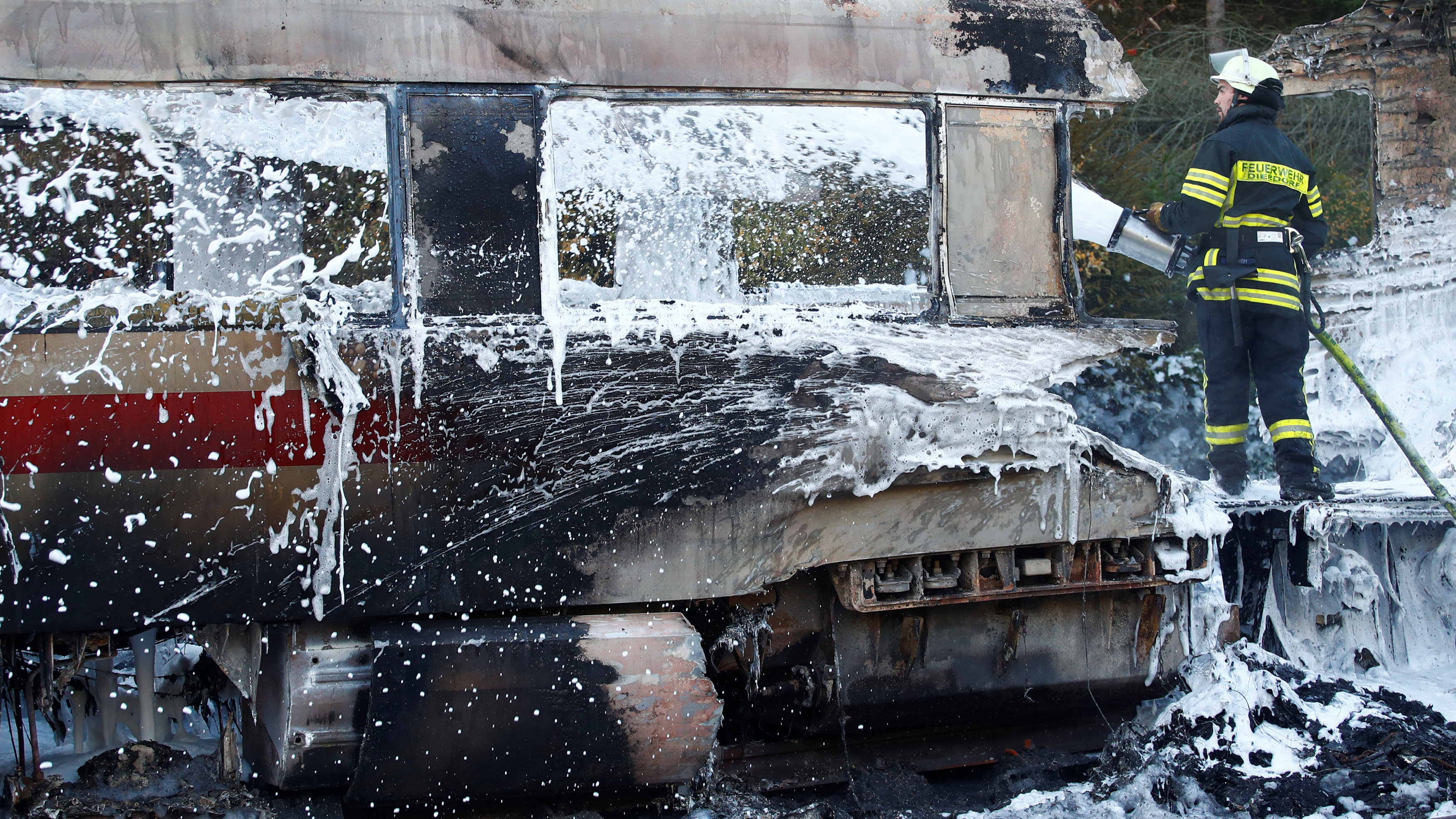 حريق قطار ألمانيا (2)