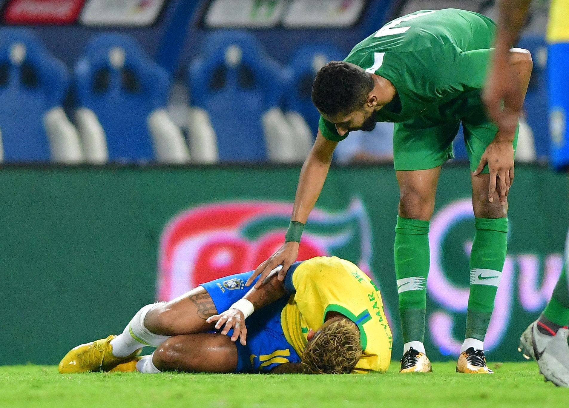 مباراة السعودية ضد البرازيل  (16)