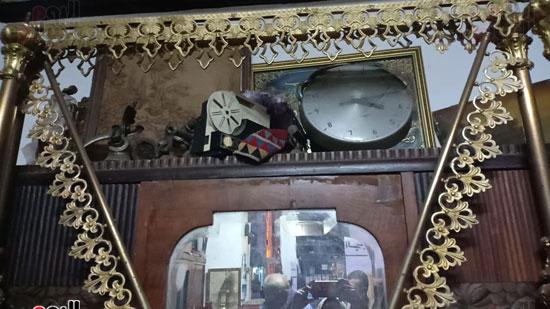 صور.. السرير النحاس لأصحاب الذوق الرفيع فى أقدم محل بالإسكندرية منذ عام 1918 (5)