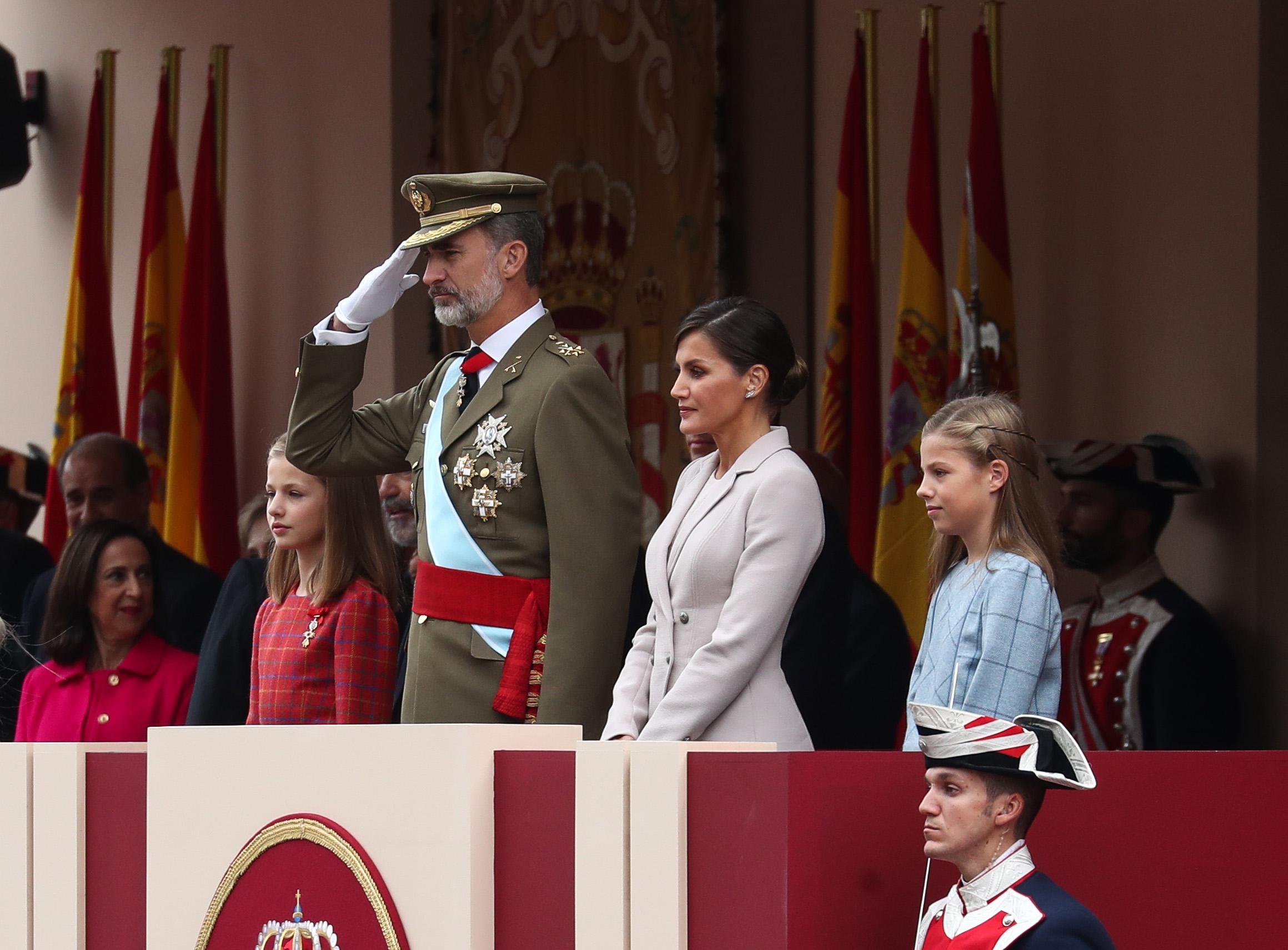 الملك فيليب وقرينته وأولاده