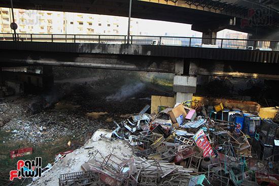 صور حريق مخزن الهرم (5)