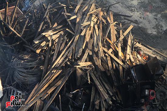 صور حريق مخزن الهرم (10)