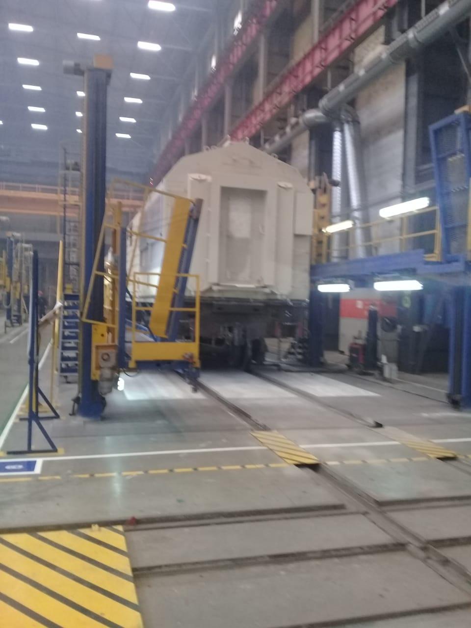 جولة لليوم السابع بمصنع جرارات السكة الحديد الروسى (16)