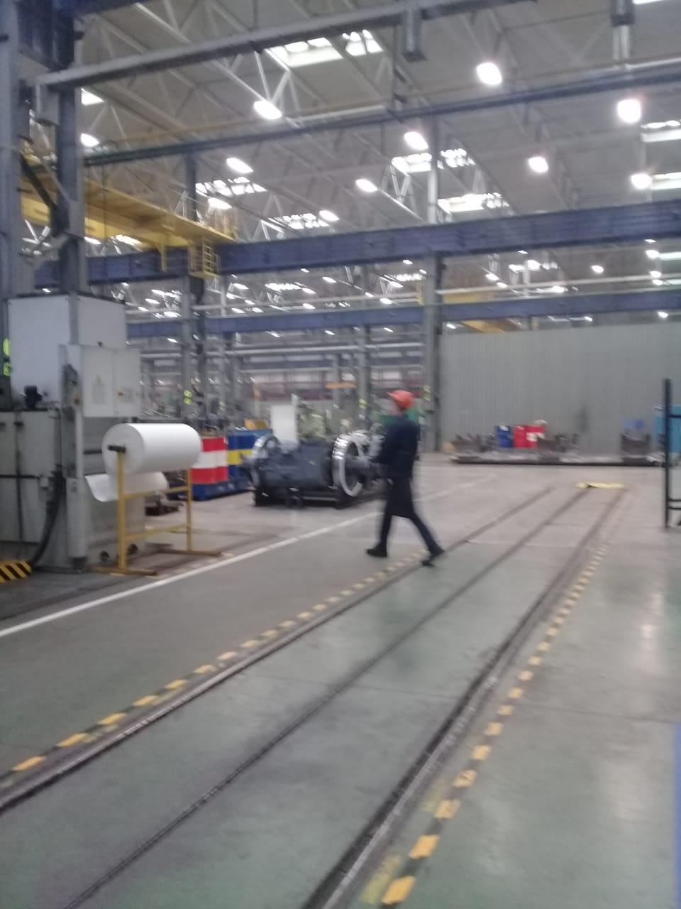 جولة لليوم السابع بمصنع جرارات السكة الحديد الروسى (13)