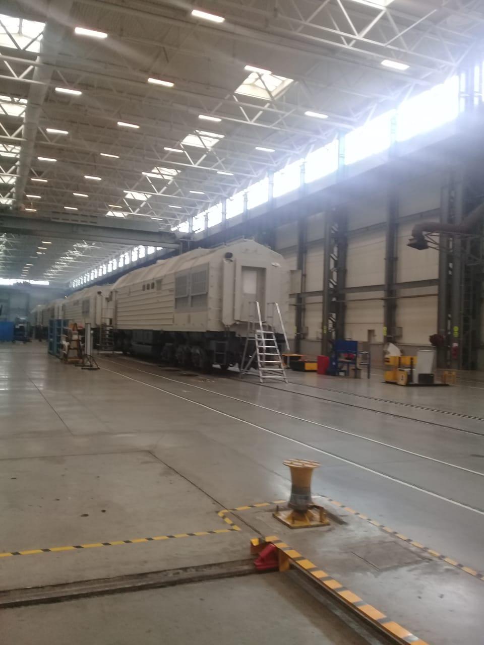 جولة لليوم السابع بمصنع جرارات السكة الحديد الروسى (8)