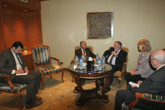 الدكتور محمد عبد العاطى وزير الرى مع الرئيس الشرفى للمجلس العالمى للمياه (5)
