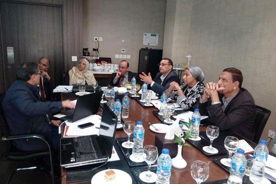 الدكتور محمد عبد العاطى وزير الرى مع الرئيس الشرفى للمجلس العالمى للمياه (3)