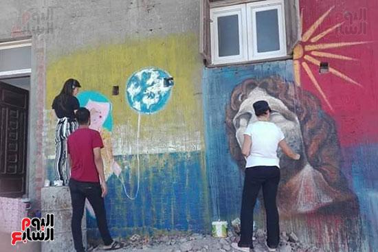 42 فنانا تشكيليا يبدعون لتوعية بخطورة الهجرة غير الشرعية بكفر الشيخ (6)