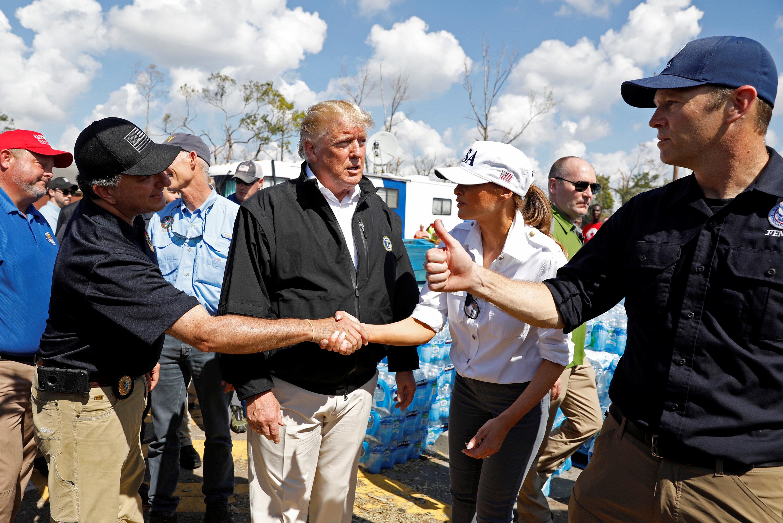 لقاء ترامب مع عمال الإنقاذ
