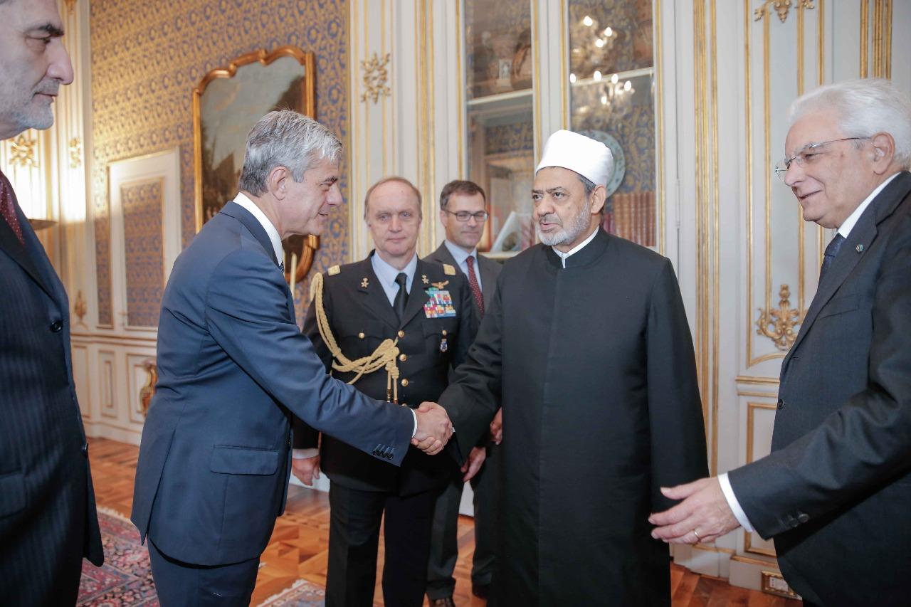 لقاء شيخ الازهر مع الرئيس الايطالى (7)