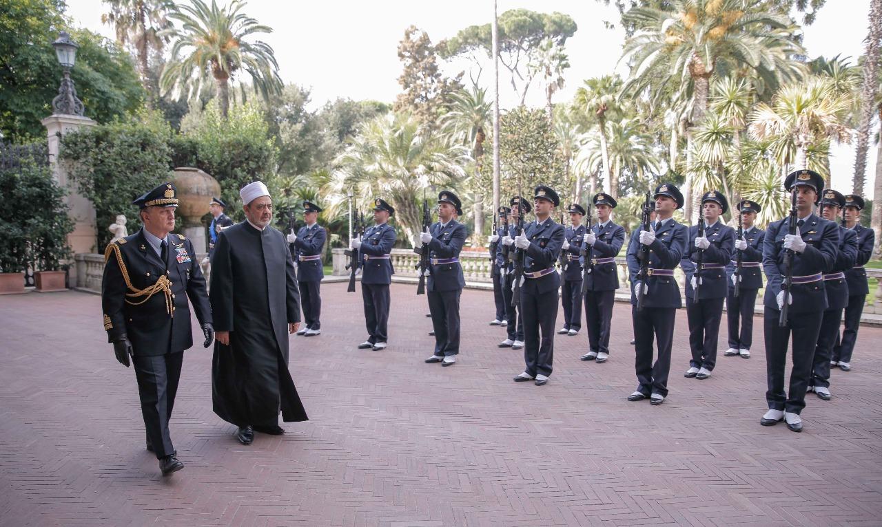 لقاء شيخ الازهر مع الرئيس الايطالى (8)