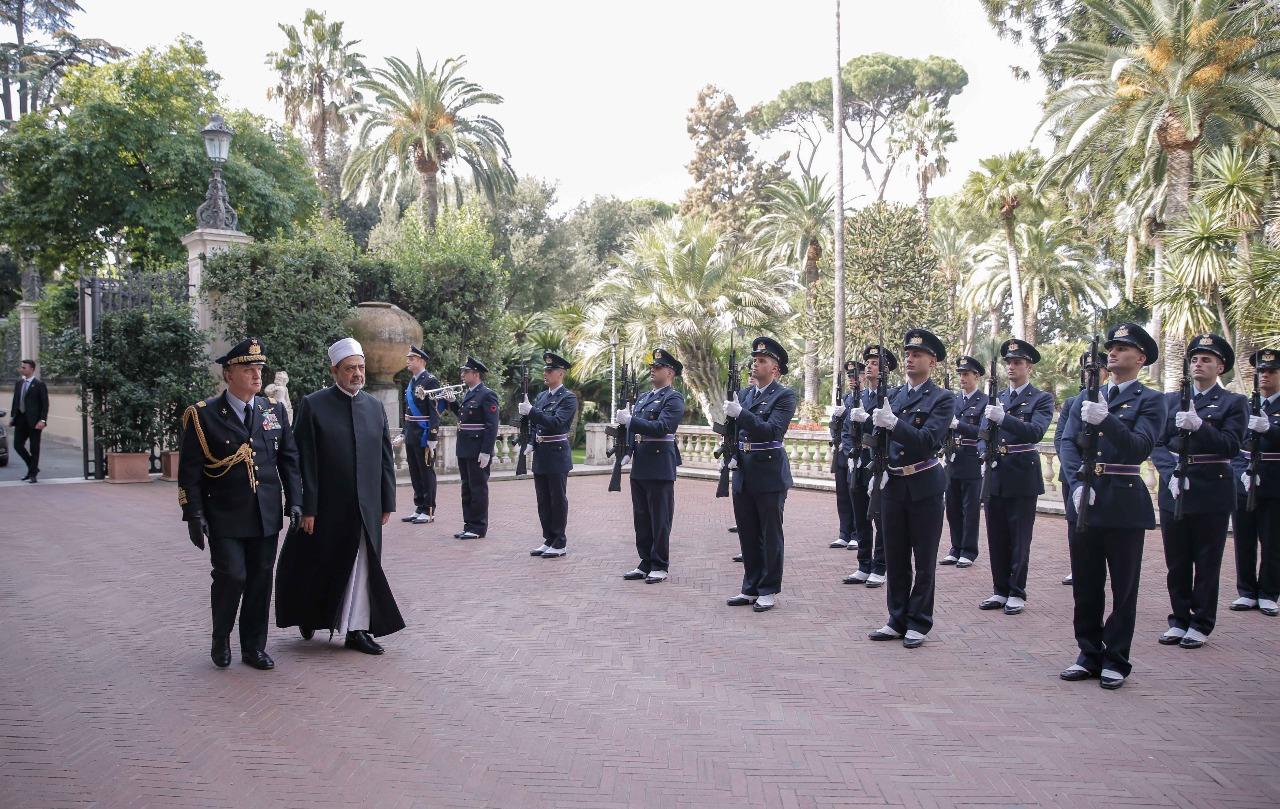 لقاء شيخ الازهر مع الرئيس الايطالى (2)