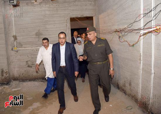 جولة رئيس الوزراء فى بورسعيد لتفقد عدد من المشروعات  (13)