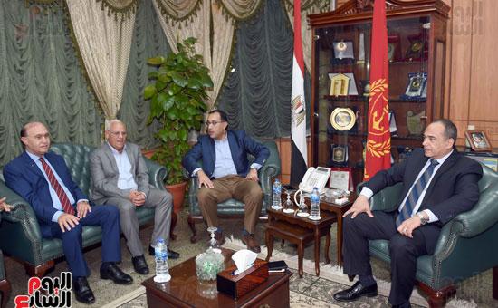 جولة رئيس الوزراء فى بورسعيد لتفقد عدد من المشروعات  (1)