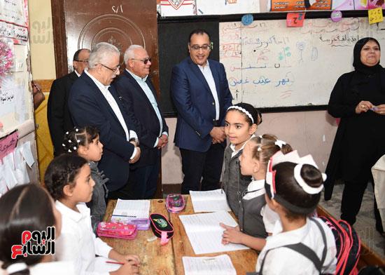 جولة رئيس الوزراء فى بورسعيد لتفقد عدد من المشروعات  (8)