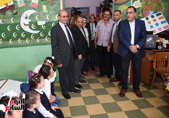 جولة رئيس الوزراء فى بورسعيد لتفقد عدد من المشروعات  (9)
