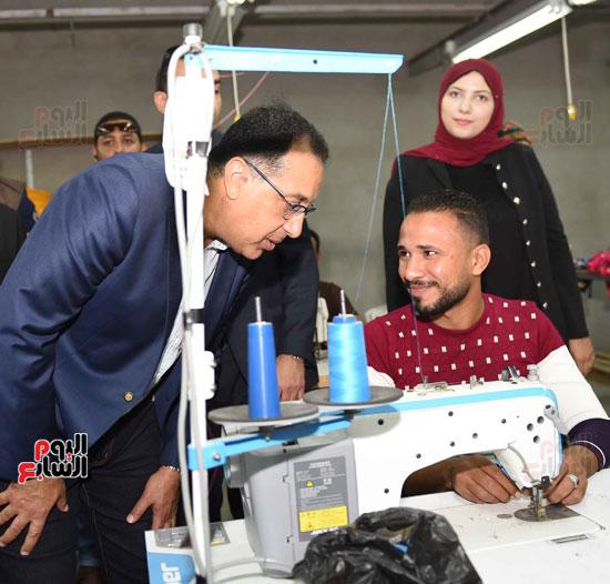 جولة رئيس الوزراء فى بورسعيد لتفقد عدد من المشروعات  (25)