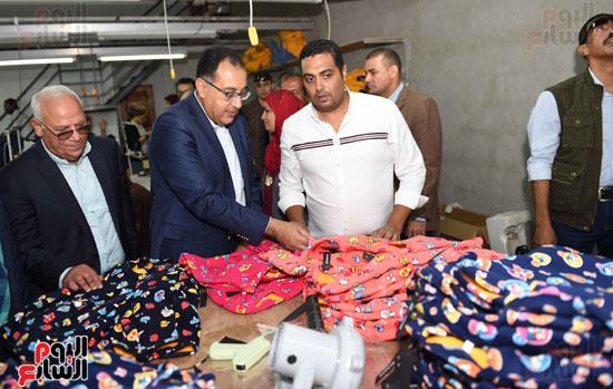 جولة رئيس الوزراء فى بورسعيد لتفقد عدد من المشروعات  (24)